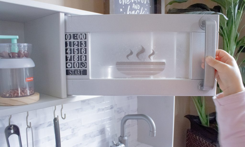 'FROSTED GLASS' look on the DUKTIG play kitchen microwave
